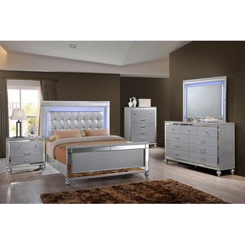 6 PC Bedroom - Queen Bed, Dresser, Lighted Mirror, Chest