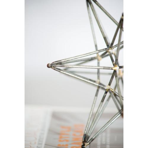 A & B Home - Ravelle Star Accent