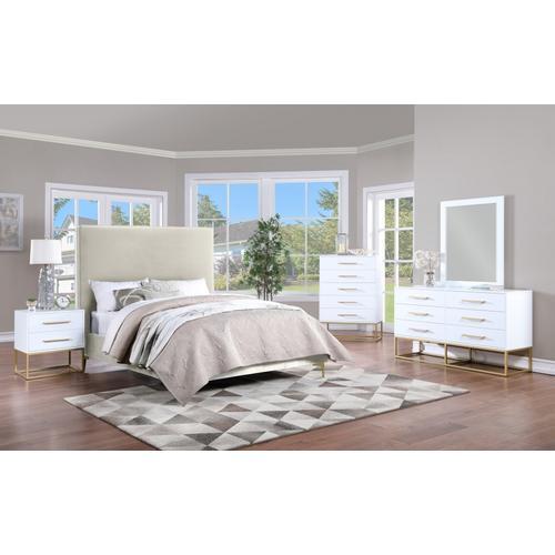 "Meridian Furniture - Maxine Mirror - 31.5"" W x 1"" D x 39.5""H"