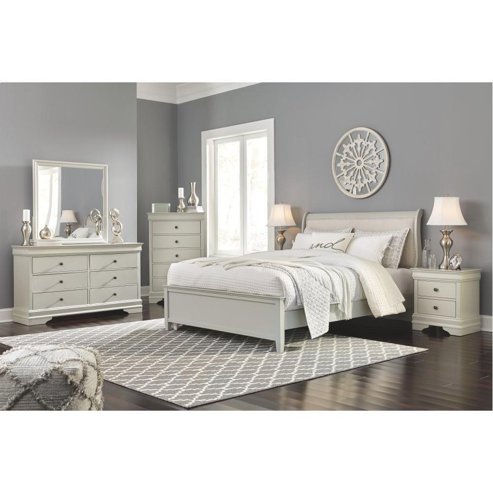 Queen Sleigh Bed With 2 Nightstands