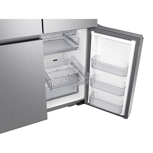 23 cu. ft. Smart Counter Depth 4-Door Flex™ refrigerator with Family Hub™ and Beverage Center in Stainless Steel
