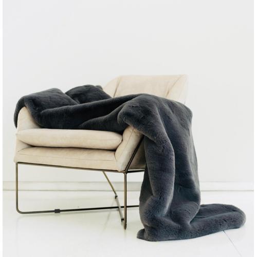"Rug Factory Plus - Chinchilla Feel Faux Fur Throw - 50"" x 60"" / Black"