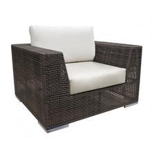 Atlantis Patio Lounge Chair w/off-white cushion