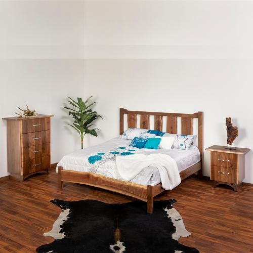 Green Gables Furniture - Sunset Bay Bed - California King Bed (complete)