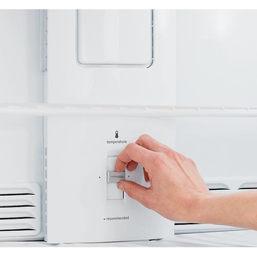 Gallery - Frigidaire 20.4 Cu. Ft. Top Freezer Refrigerator
