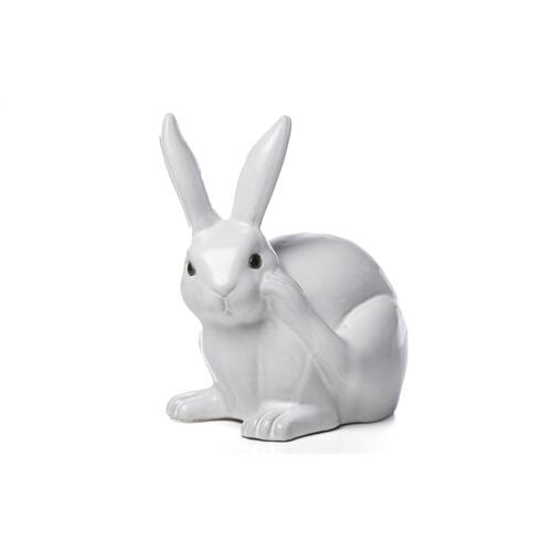 Sweet Scratching Rabbit
