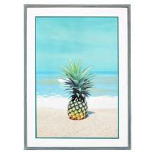 PINEAPPLE ON SAND