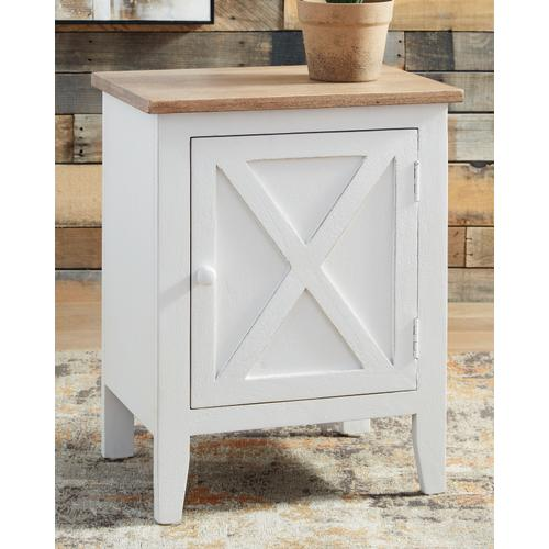 Signature Design By Ashley - Gylesburg Accent Cabinet
