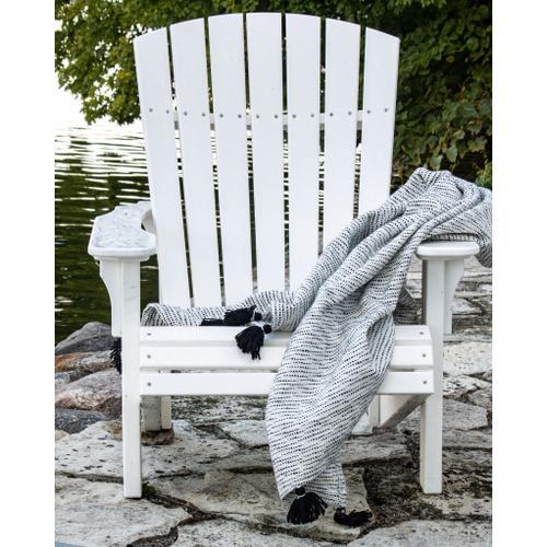 Foreside Home & Garden - Hand Woven Allison Throw Black