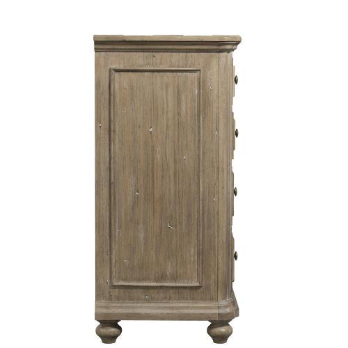 Madison - Eight Drawer Dresser - Caramel Finish
