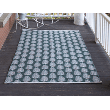 Green Leaf Indoor/Outdoor 5' x 8' Rug