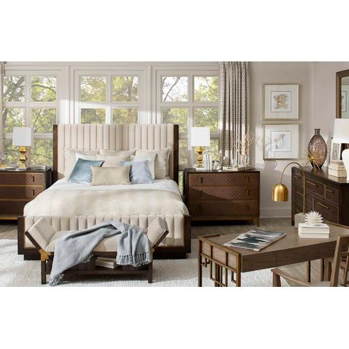 Woodwright Mulholland Upholstered King Bed