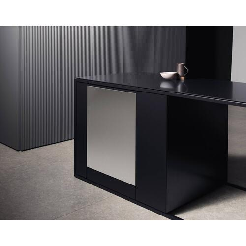 Miele - GFVi 701/77 - Int. front panel: W x H, 24 x 30 in Clean Touch Steel™ w/o handle & bore holes for fully integrated dishwashers