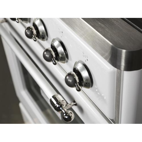Majestic II 30 Inch Dual Fuel Liquid Propane Freestanding Range in White with Chrome Trim