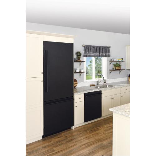Carbon Fiber, Top Control, Pro Handle Dishwasher, 9 Programs, 39 dBA