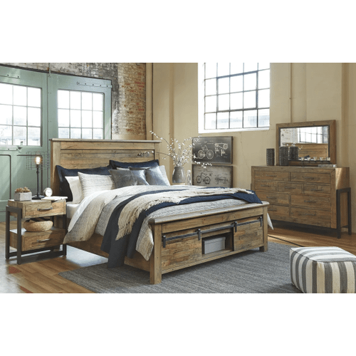 Sommerford - Brown - 7 Pc. - Dresser, Mirror, Chest, Nightstand & Queen Panel Bed with Storage