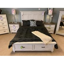 Caraway Aged Ivory Storage Bed - Queen