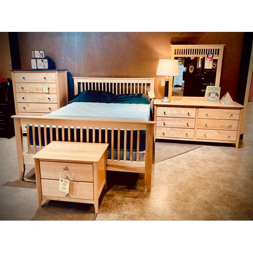 SOLID WOOD Stratford 5PC Bedroom Set in a natural Birch Finish