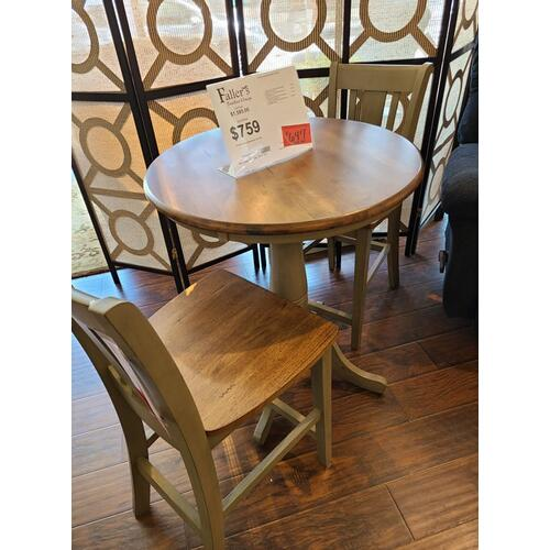 John Thomas Furniture - CLEARANCE Pub Table & Chairs