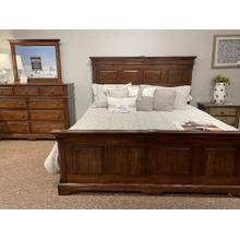 Artisan & Post Heritage Mansion Bedroom Group Set with Footboard