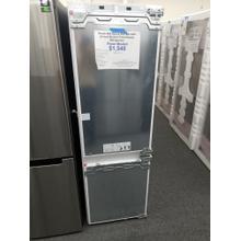 """Bosch 800 Series 24"""" Built In Panel Ready Refrigerator B09IB81NSP (FLOOR MODEL)"""