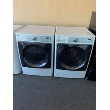 Refurbished Kenmore Elite White Washer Dryer Set. Please call store if you would like additional pictures. This set carries our 6 month warranty, MANUFACTURER WARRANTY AND REBATES ARE NOT VALID (Sold only as a set)