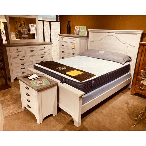 Vaughan-Bassett - Bungalow Queen Bed in Dover Grey   *Chest,Dresser,Mirror,N. Stand Priced Separately *            (741,85364,5,6,70))
