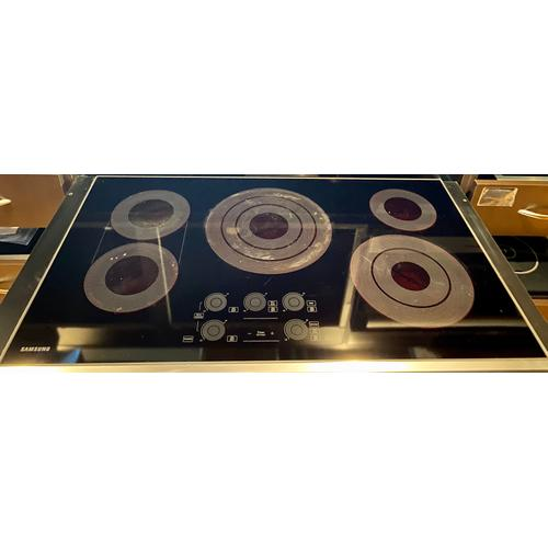 "Samsung NZ36K7570RS   36"" Electric Cooktop with Sync Elements in Stainless Steel"