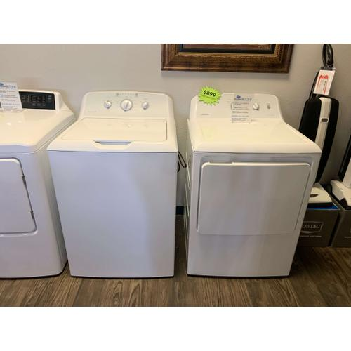 Hotpoint 3.8 CF Washer and 6.2 CF Dryer