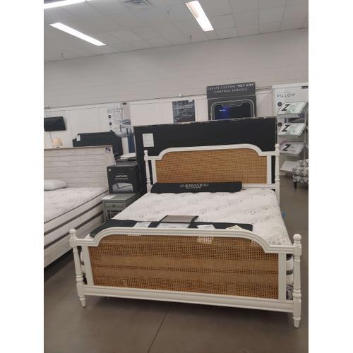 Hillsdale Furniture - Melanie King Bed White