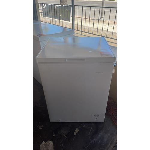 Treviño Appliance - Frigidaire Chest Freezer in White