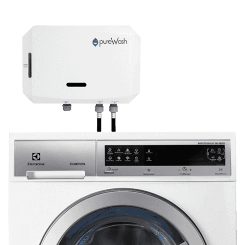 pureWash Pro cleans clothes with the disinfecting power of oxygen, not detergent.