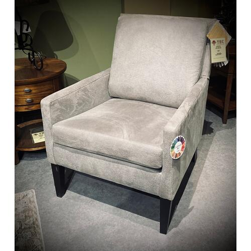 Best Home Furnishings - Leigha Club Chair in Granite/Espresso        (2100E-24104,27970)
