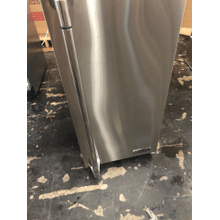"""View Product - Lynx 15"""" Outdoor Ice Machine, Right Hinge"""