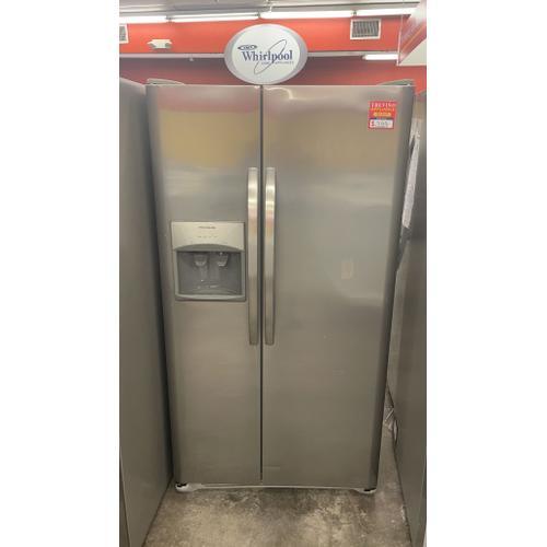 Treviño Appliance - Frigidaire Side by Side Refrigerator