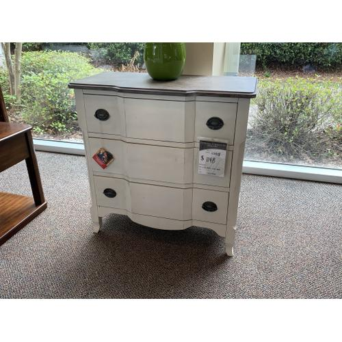 Chest with 3 Drawers