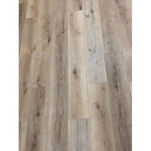 Britts Flooring - Oak Linen LVP