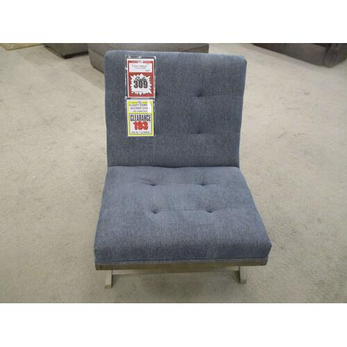 Ashley Furniture - CLEARANCE ACCENT CHAIR