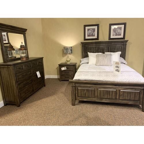 Daphne Queen Bedroom Set