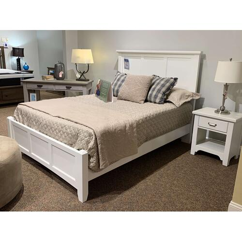 White Bedroom Group - Style #744