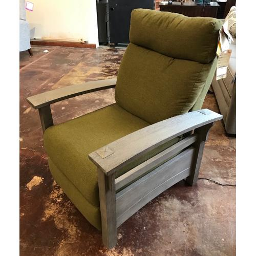 Three-way power recliner, earth finish.