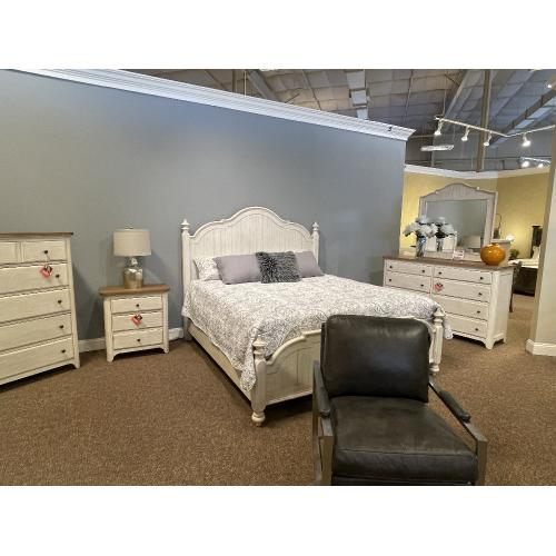 Liberty Furniture Industries - Farmhouse King Bedroom Set with Nightstand