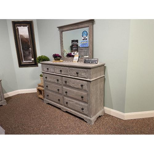 Vaughan-Bassett - Artisan & Post Heritage Mansion Bedroom Group Set with Footboard