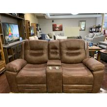 Turismo Power Loveseat