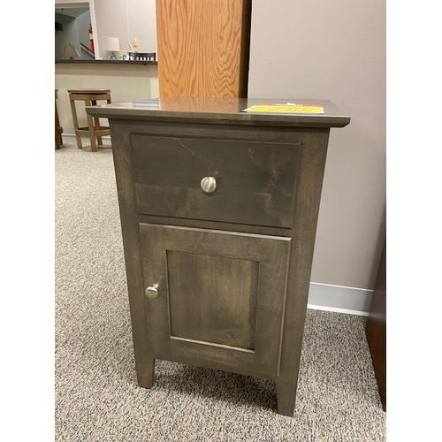 """Amish Craftsman - Shoreview 18"""" Night Stand"""