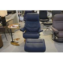 STRESSLESS VIEW MEDIUM ARM CHAIR, LEATHER, RECLINE, SWIVEL, W/OTTOMAN.
