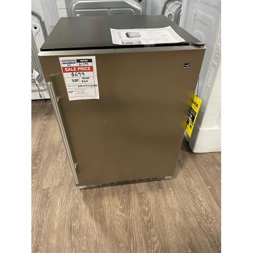 WEST LOCATION Niagara 24 Integrated All Refrigerator. OPEN BOX ITEM
