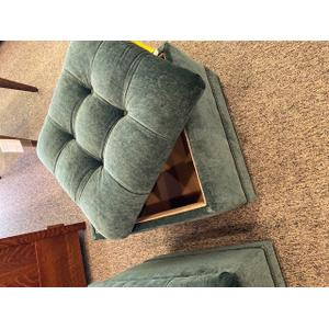 Smith Brothers Furniture - Tufted Storage Ottoman