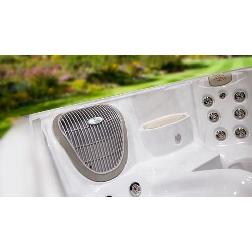 Hydropool - 2020 SERENITY 6800  - 40 Jet , Large 6-7 Person Hot Tub