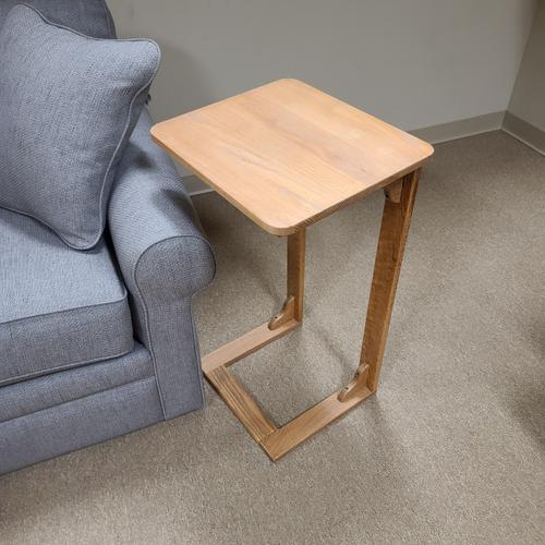 Gene's Woodworking - Laptop Table (LROTAB169)